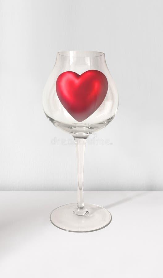 Coeur rouge de Valentine en verre de vin sur le gris photos libres de droits