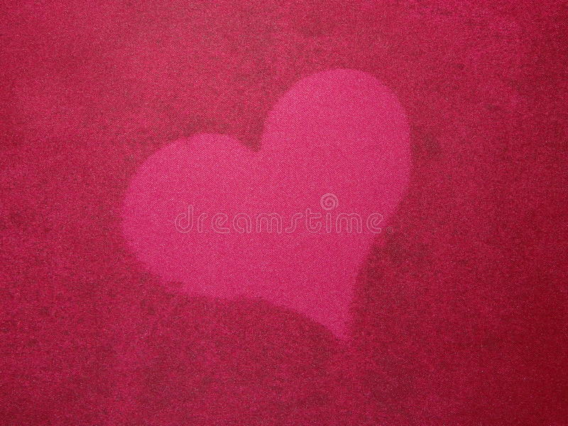 Download Coeur sur la soie rouge photo stock. Image du soie, fond - 76083976