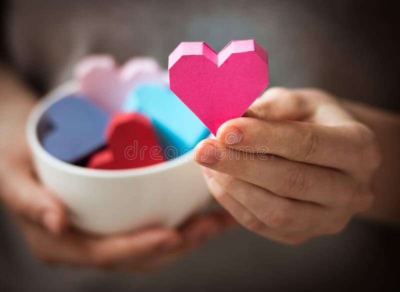 Coeurs à disposition photos stock