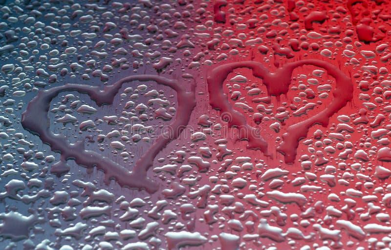 Coeurs de forme de Waterdrops photos stock