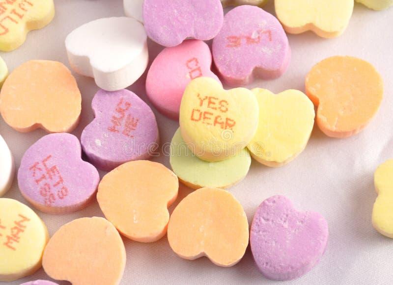 Coeurs de sucrerie de conversation photo stock