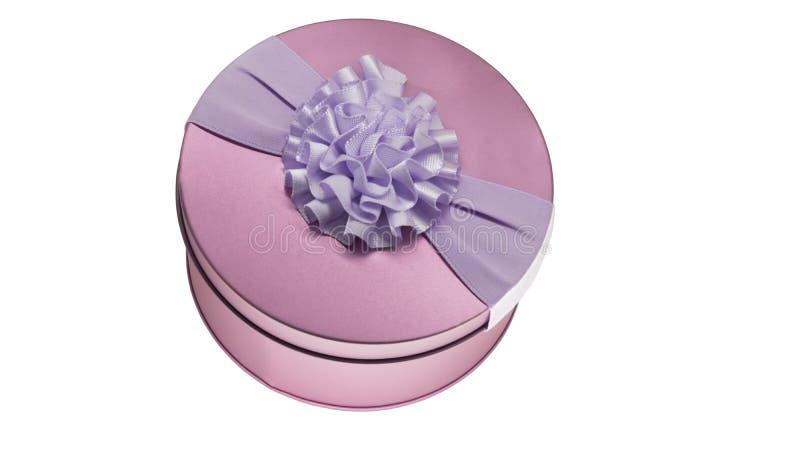 Cofanetto rosa del metallo su fondo bianco fotografia stock