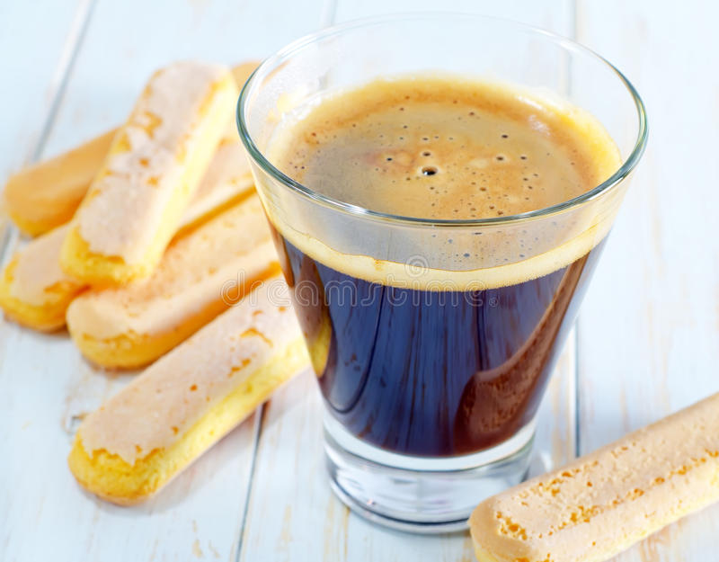 Download Coffe и савояры стоковое фото. изображение насчитывающей кофе - 41659598