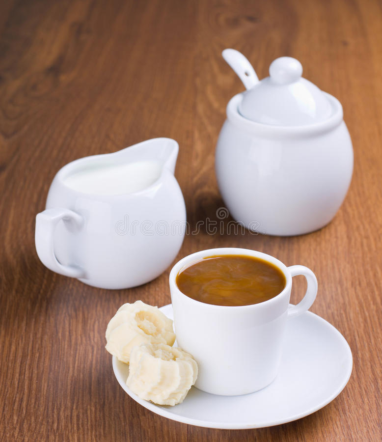 Download Coffeе стоковое изображение. изображение насчитывающей утро - 37928757