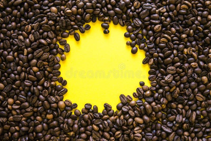 Coffe beens horyzontalny zamkni?ta kawowa horyzontalna tekstura Przestrze? dla teksta obraz stock