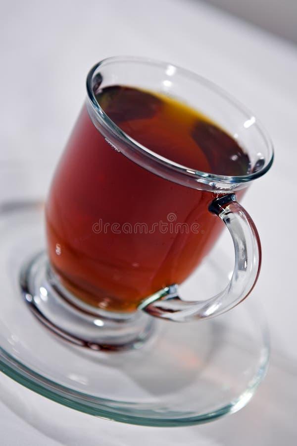 Coffe dans une cuvette claire photo stock
