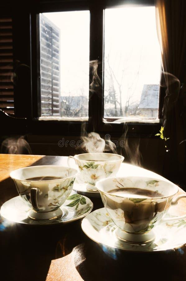 coffe filiżanek stół zdjęcie royalty free