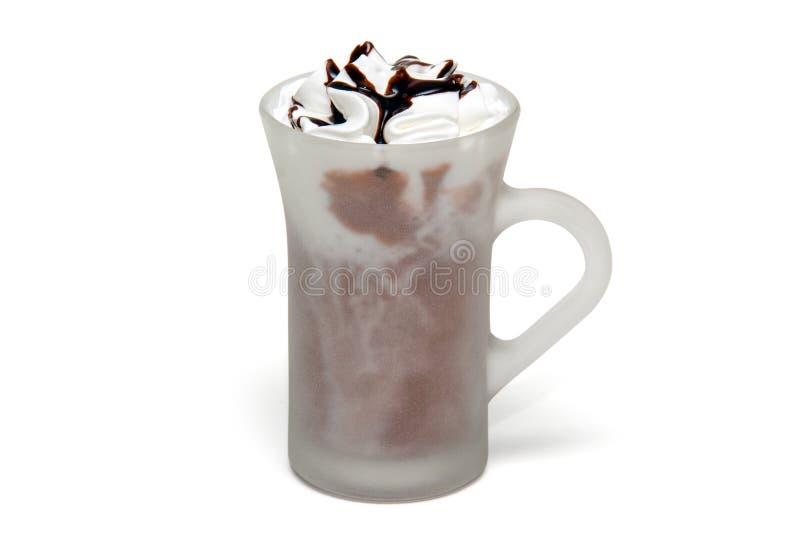 Coffe koktajl z czekoladą w szklanej filiżance zdjęcie stock