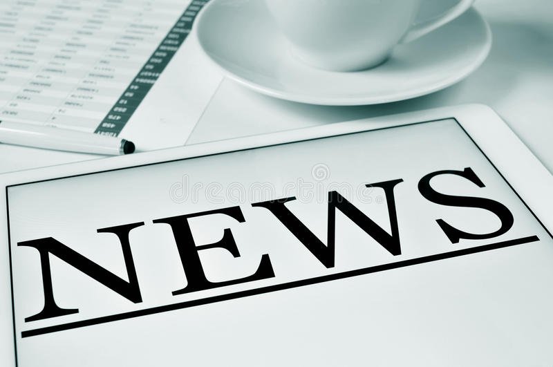 Coffe und Nachrichten stockbilder