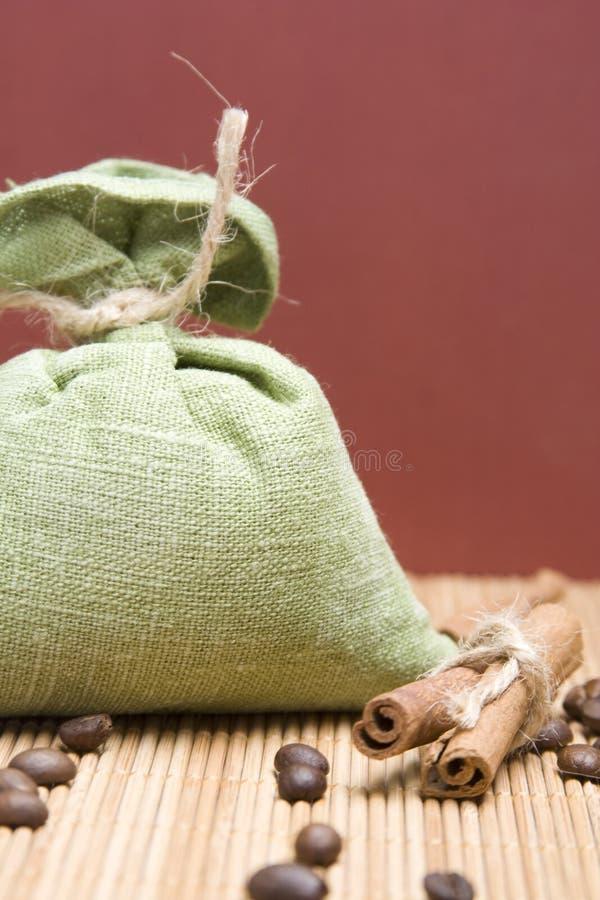 Free Coffee And Cinnamon Royalty Free Stock Photo - 13383495