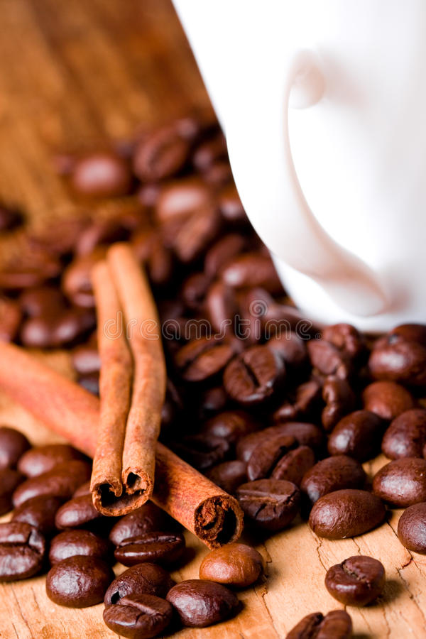 Download Coffee Beans, Cup And Cinnamon Royalty Free Stock Photos - Image: 16119538
