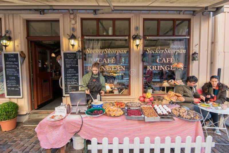 Coffee shop i historiska Haga, Göteborg royaltyfri foto