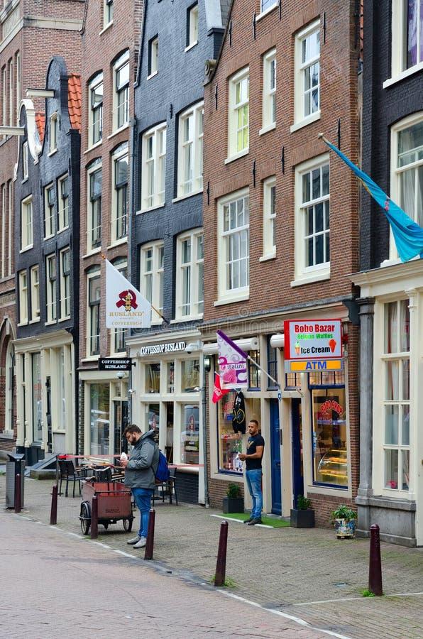Coffeeshop Rusland в историческом центре города, Амстердама, Нидерланд стоковые изображения rf