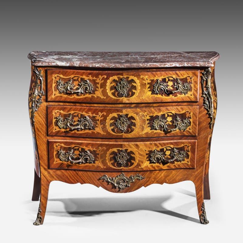 Coffre en bois de vieux vintage élégant original classique de bureau de tiroirs photo libre de droits