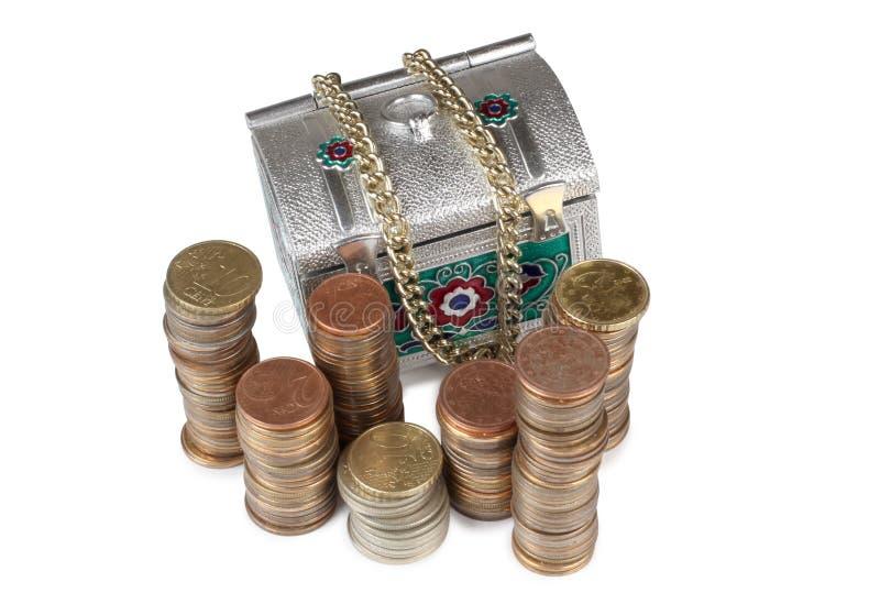Coffre et pièce de monnaie image libre de droits