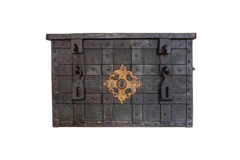 Coffre forgé fabriqué à la main médiéval d'isolement dans le blanc images libres de droits