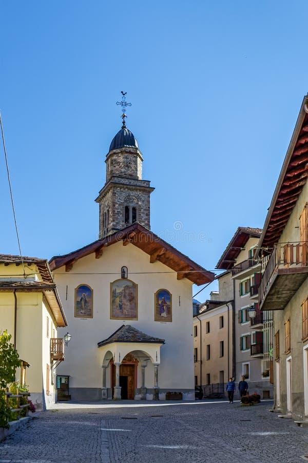 COGNE, ITALY/EUROPE - 26 OTTOBRE: Vista del ` Orso Church di Sant in C immagini stock