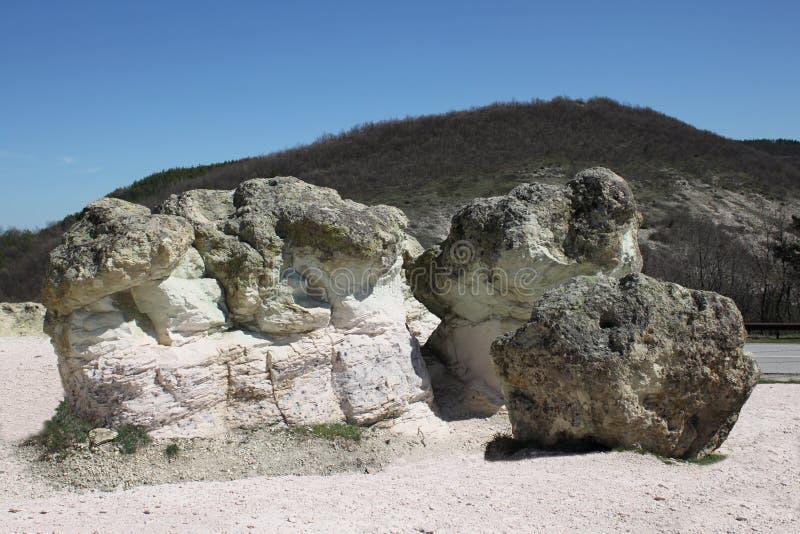 Cogumelos da pedra do fenômeno natural em Bulgária imagem de stock