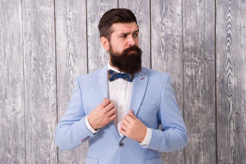 Coiffeur de style de monsieur La gamme d'offre de salon de coiffure des paquets pour le marié rendent son grand jour inoubliable  photo stock