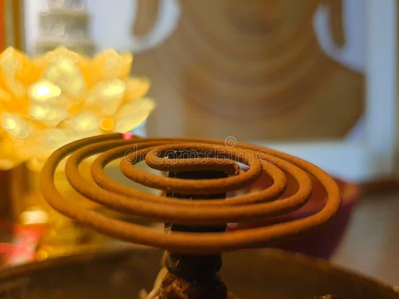 Coil incense för att be arkivfoto