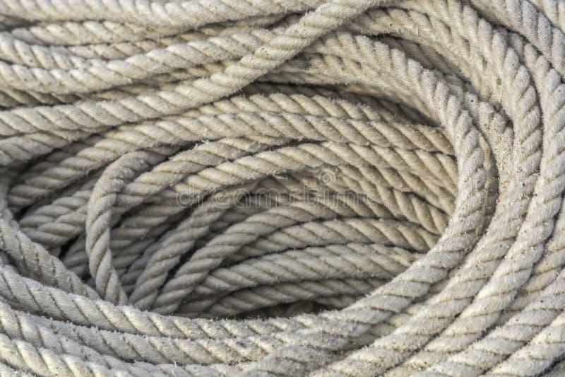 Download Coiled statek arkana obraz stock. Obraz złożonej z pulley - 57664527