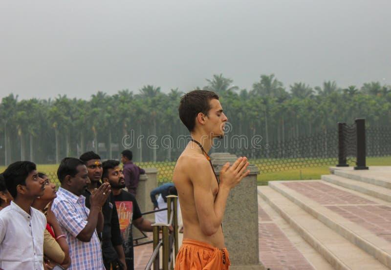 Coimbatore, Tamil Nadu/India-maart-20-2019 Adiyogi, het standbeeld van de de mislukkingsgrootte van de wereld grootste bij Isha-y stock fotografie