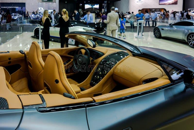Coin d'Aston Martin au Salon de l'Automobile de Dubaï, montrant les voitures toutes neuves photos libres de droits