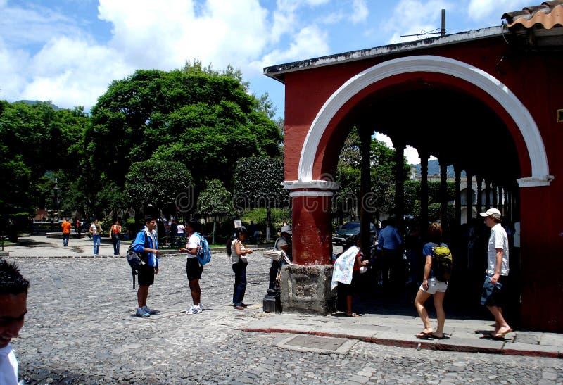 Coin de la rue chez l'Antigua du centre Guatemala photo stock