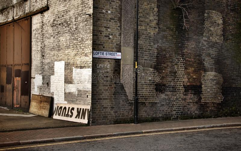 Coin de la rue de Londres de regard de vintage photographie stock