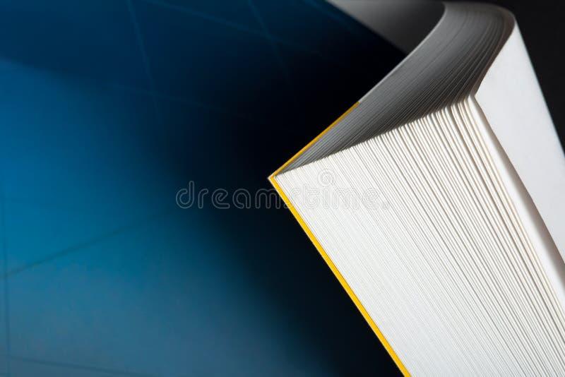 Coin incurvé de livre images libres de droits