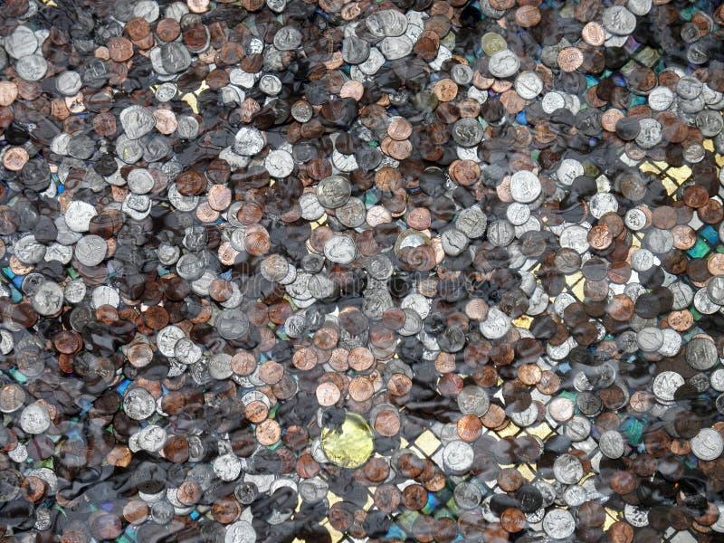 coins undervattens- arkivbilder
