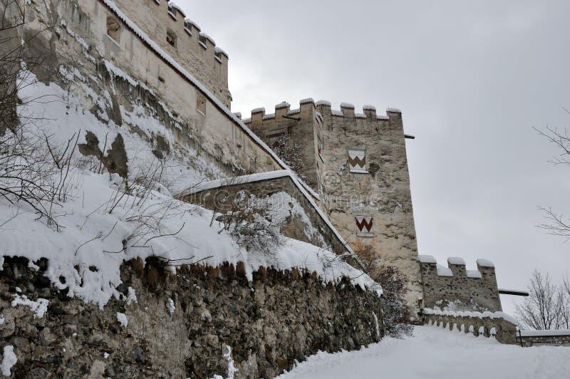Coira slotttorn och snö 1 arkivfoto