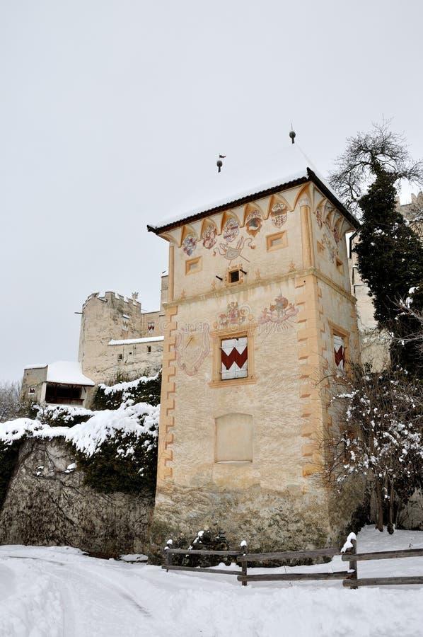 Coira slotttorn och snö royaltyfria bilder