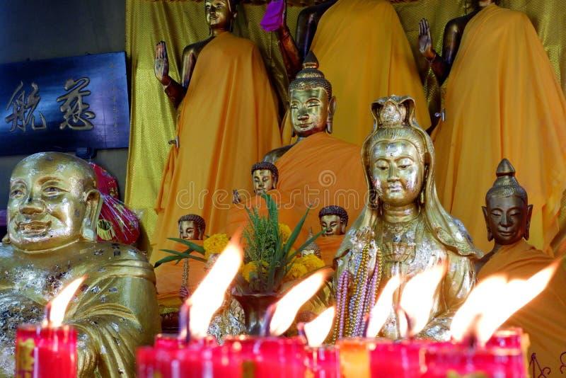 Coisas sagrados da est?tua da Buda que respeito dos budistas imagens de stock