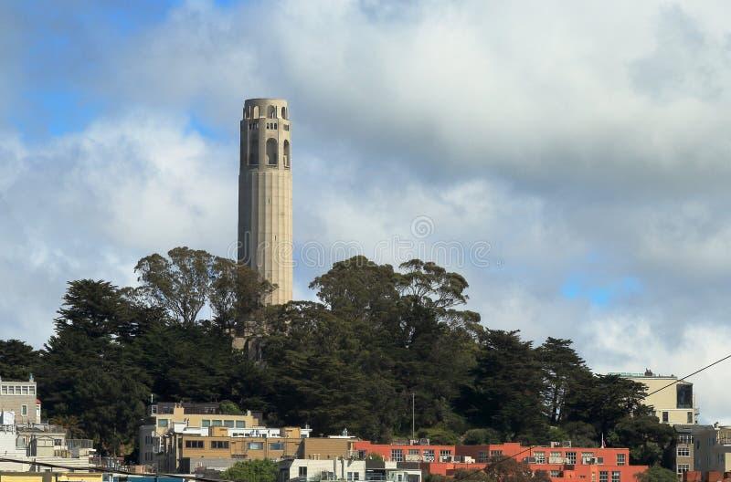 Coit-Turm auf Fernschreiber-Hügel in San Francisco stockfoto