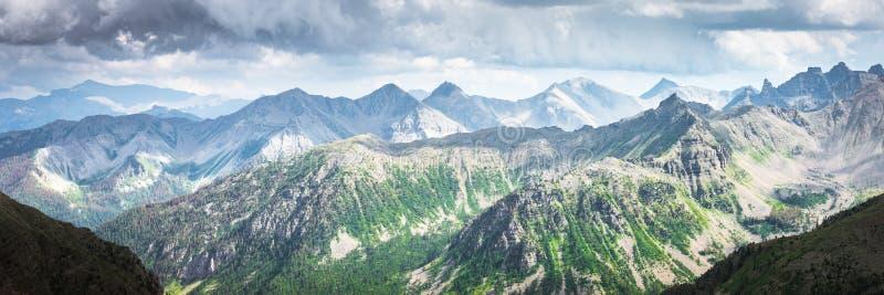 Col de la Bonette山口位于法国阿尔卑斯山脉,靠近意大利边境 它位于Mercantour Nati 免版税库存图片