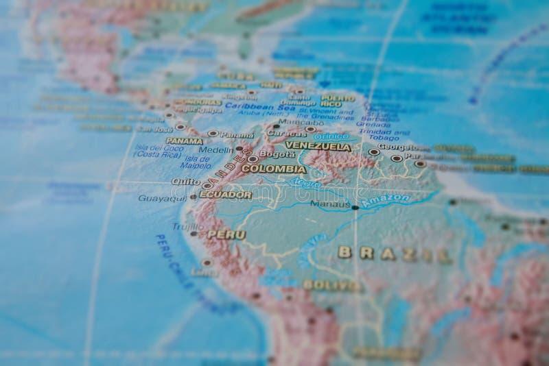 Col?mbia no fim acima no mapa Foco no nome do pa?s Efeito do Vignetting imagens de stock