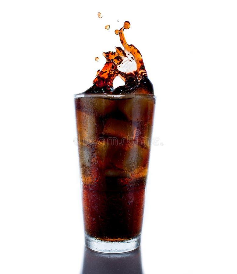 Cola con ghiaccio fotografie stock libere da diritti