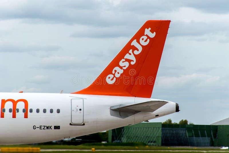 Cola del avión de Easyjet imagen de archivo libre de regalías