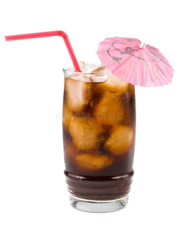 Cola fizzy fredda con ghiaccio immagine stock