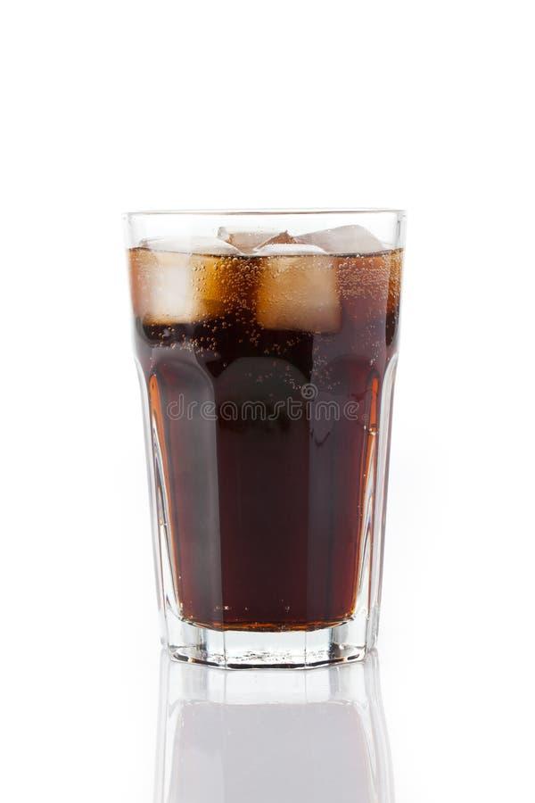 Cola fría con hielo foto de archivo