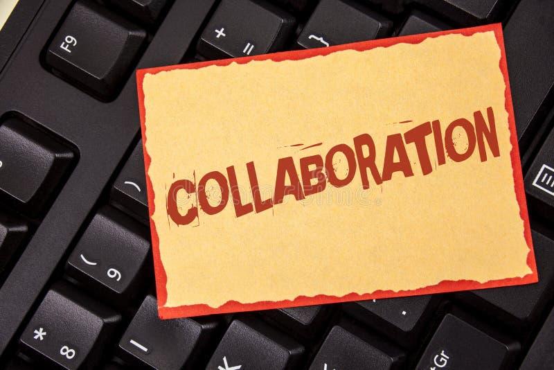 Colaboração do texto da escrita da palavra Conceito do negócio para a parceria global das indústrias com os trabalhos de equipa p imagens de stock
