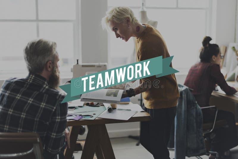 Colaboração Team Graphic Word dos trabalhos de equipa imagens de stock