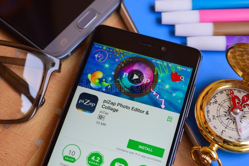 colaborador app do editor de fotos & da colagem do piZap na tela de Smartphone fotos de stock