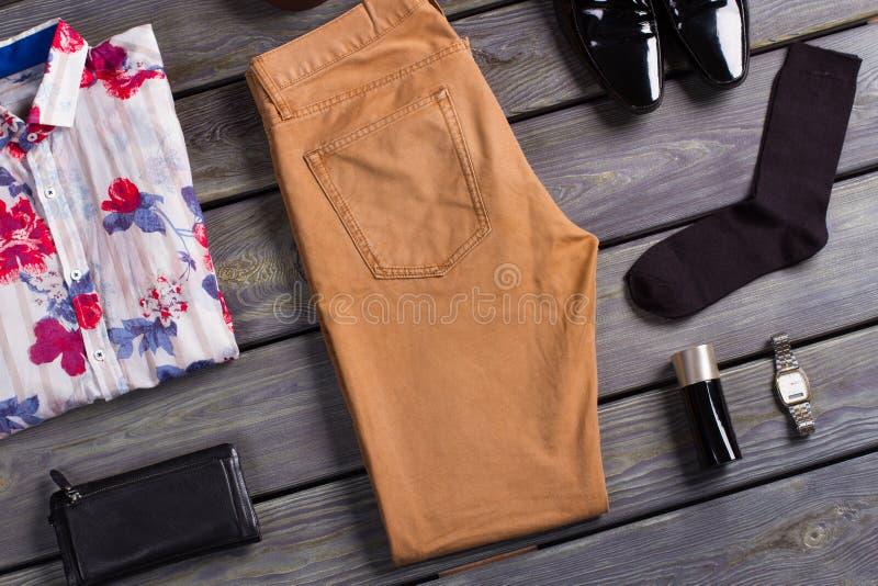 Colagem da roupa de homens modernos imagens de stock