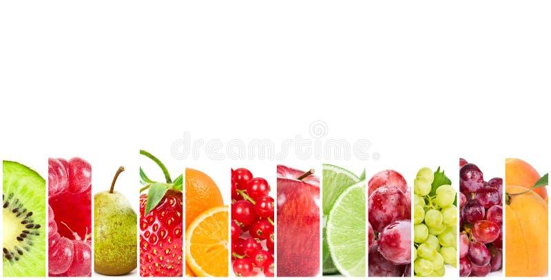 Colagem de frutos frescos e de bagas no fundo branco imagens de stock