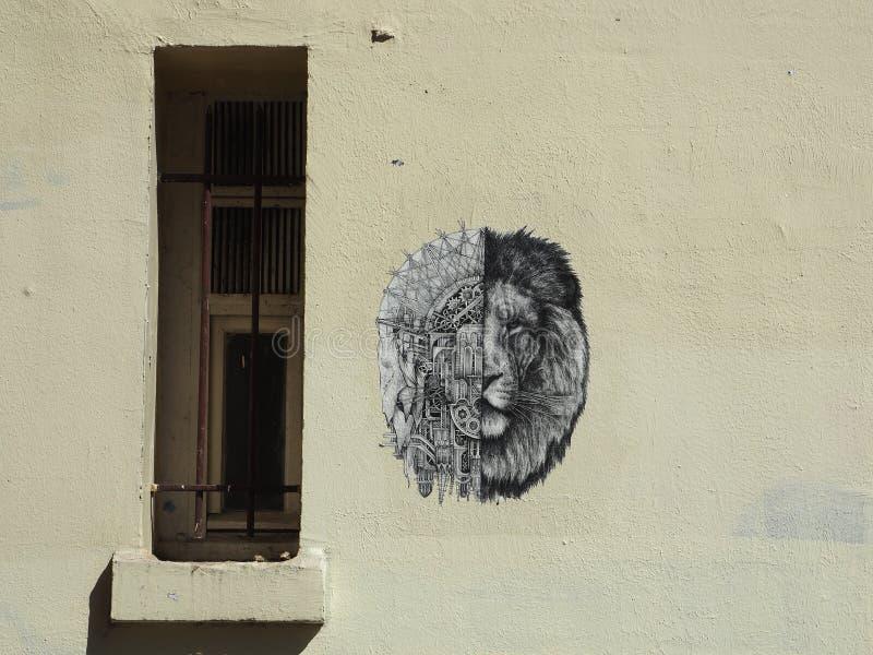 Colagem do ` s de Ardif do artista da rua em uma construção em Paris foto de stock royalty free