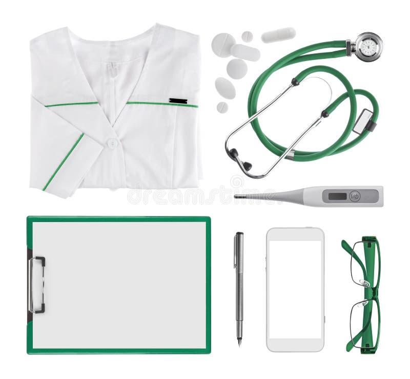 Colagem dos objetos médicos do doutor moderno isolados no fundo branco fotografia de stock royalty free