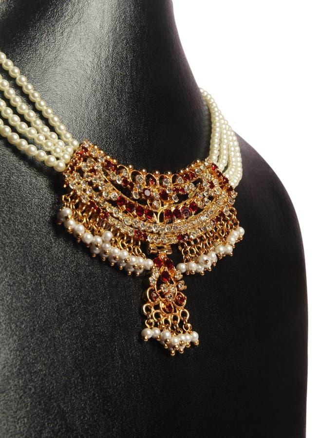 Colar indiana da pérola do ouro fotografia de stock