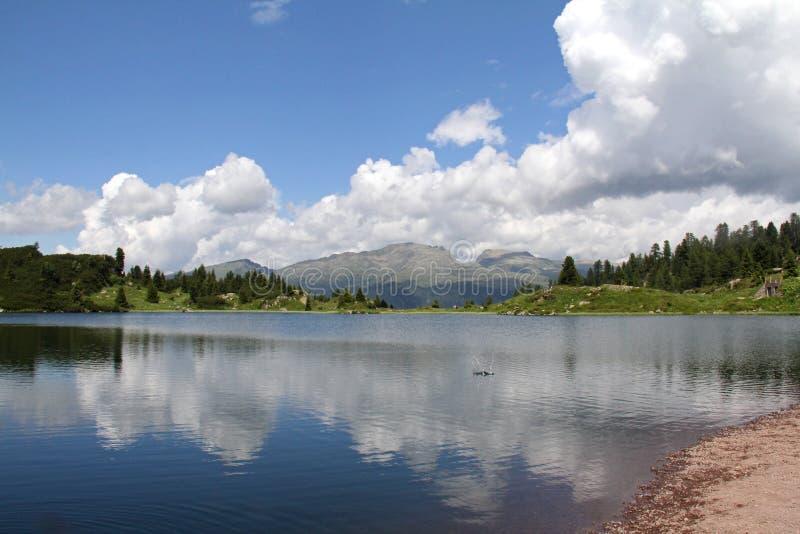 Colbricon sjön royaltyfria foton